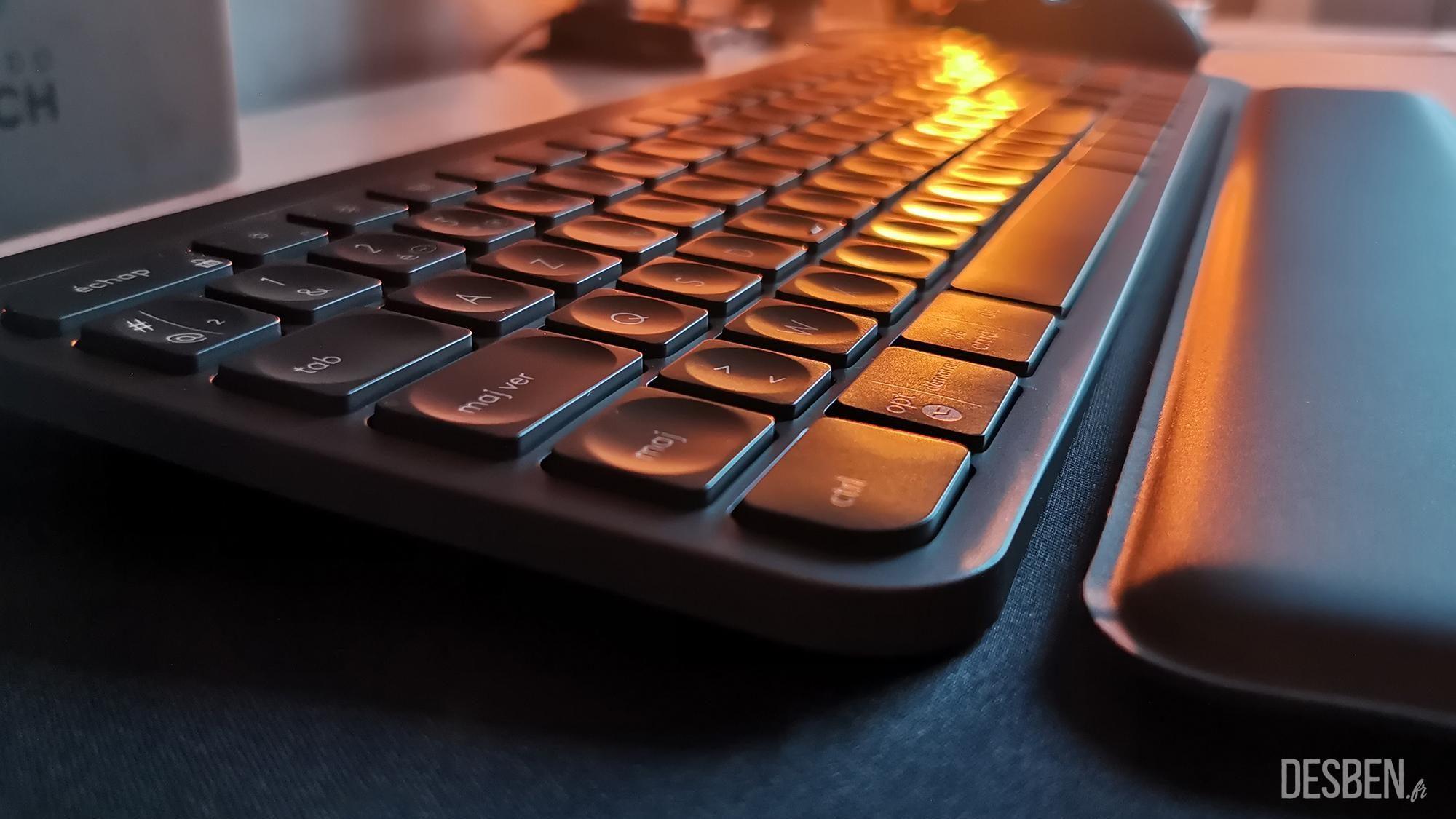Clavier et repose poignet - Test du clavier MX Keys de Logitech